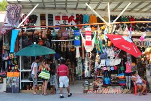 traditional retail vendor
