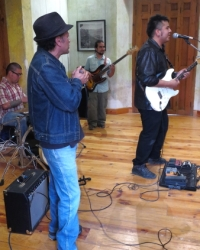 El Gato Blues Band rockin' La Ensenanza Casa de la Cuidad, they were smokin'