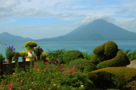 Lake Atitlan, volcano's and botanical garden