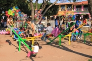 On Sunday's many families bring the kids to the playground on the malecon