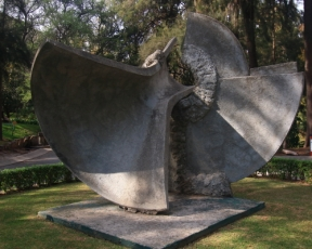 "This sculpture is called ""Serie Instrumento de Viento"" which translates to wind instrumet series"