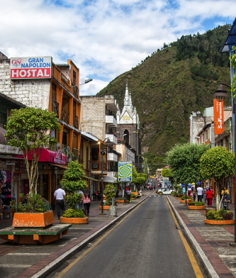 One of two main streets through the center of Banos