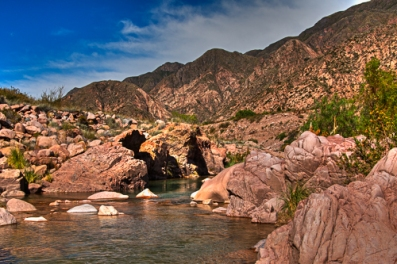 The Rio Mendoza runs through the Cachueta Hot springs just below the thermal pools. There is also a trail here for hiking